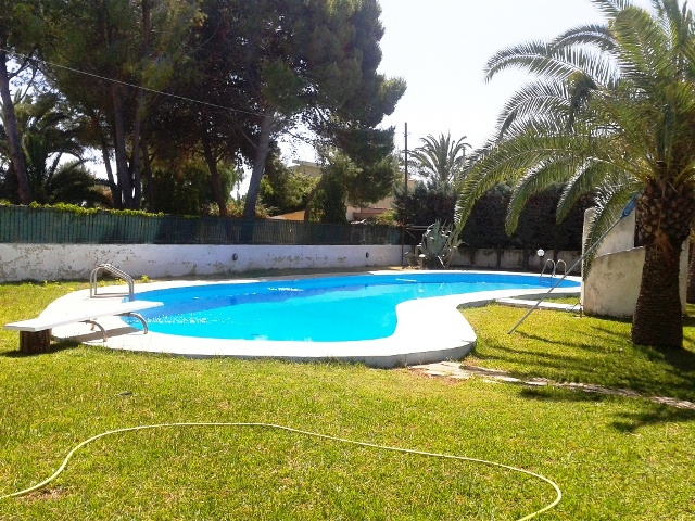 villa swimming pool for rent sicily suracuse