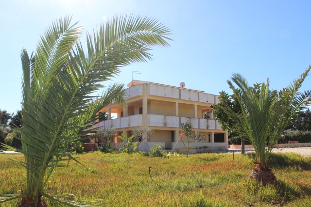 villa for sale on the sea plemmirio syracuse