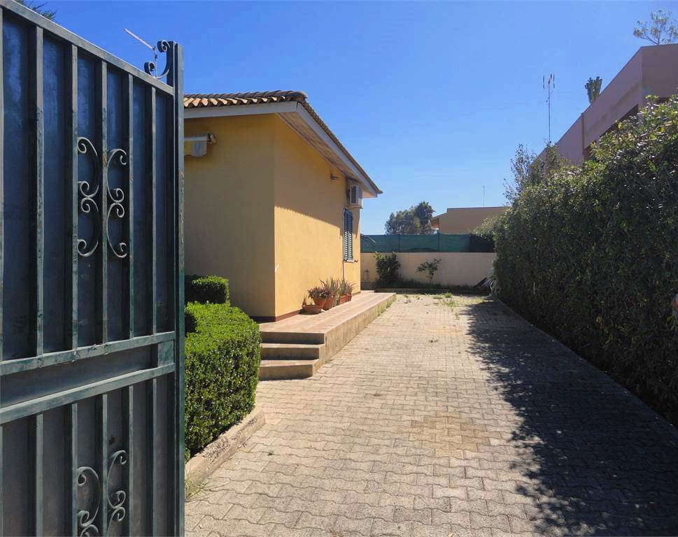 single house for sale arenella