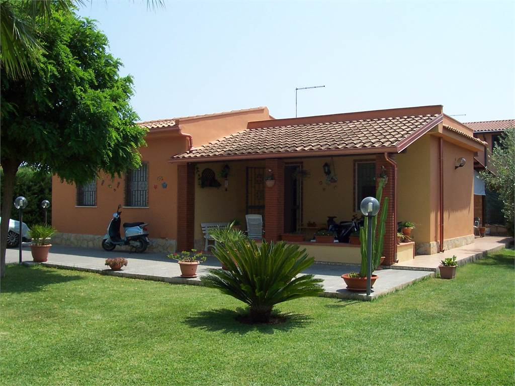 villa for sale syracuse arenella