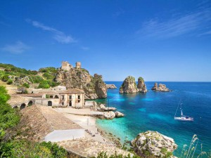 Property on the Seashore on Sicily